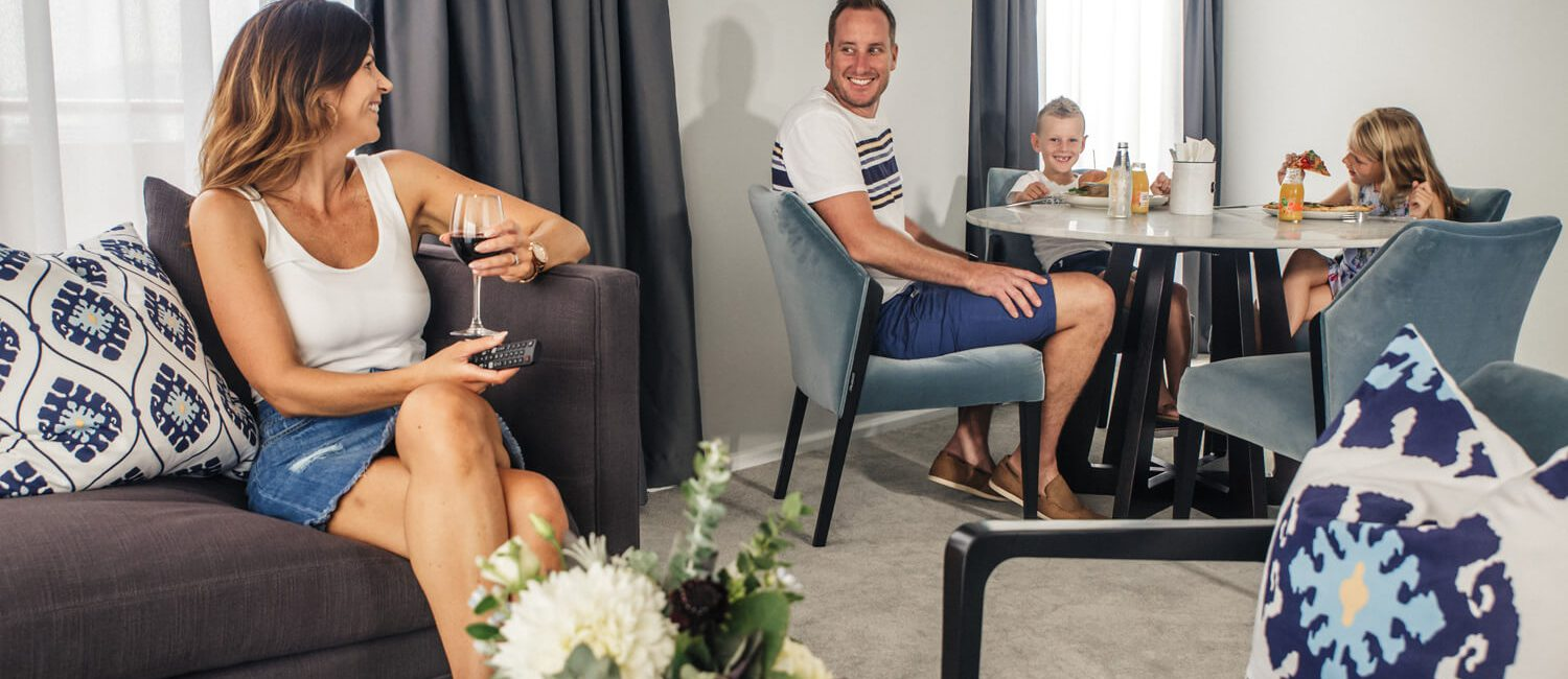 Brisbane-two-bedroom-suite-family-dining | Pacific Hotel Brisbane