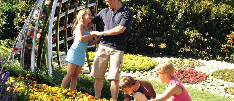 Family-roma-street-parklands-credit-Tourism-&-Events-Queensland | Pacific Hotel Brisbane